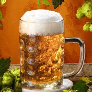Кружка пива с пеной