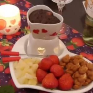 Фондю с фруками и шоколадом