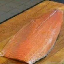 Рулетики из лосося