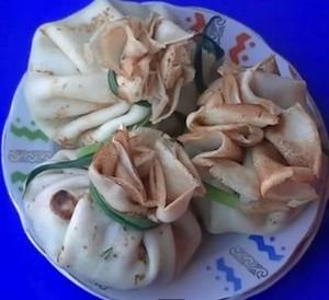 Вкусные блины мешочки с курицей и грибами
