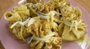 Вкусные мешочки из блинов с семгой