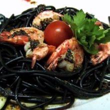 Черные макароны