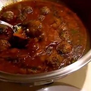 Готовые фрикадельки в соусе