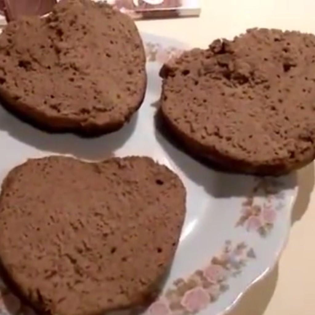 Шоколадный бисквит коржи