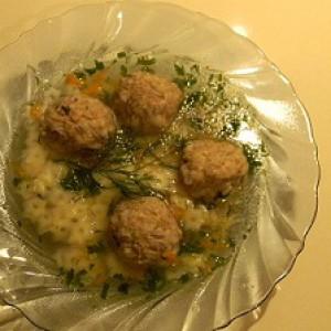 Суп с куриным фаршем и макаронами звездочка