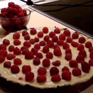 Вкусный малиновый пирог из песочного теста
