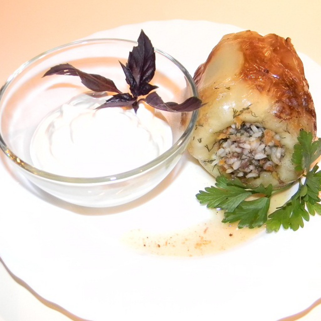 Фаршированный перец со сметаной