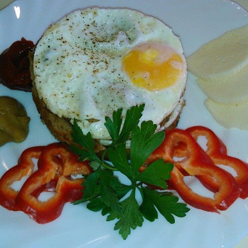 Красивый завтрак из яиц фото