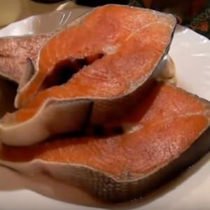 Красная рыба кижуч стейк