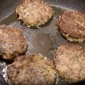 Самые вкусные драники картофельные на сковороде