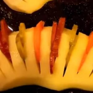 Половинка картошки с начинкой