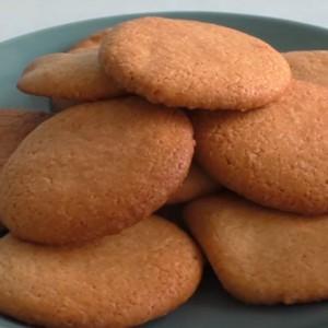 Свежее песочное печенье