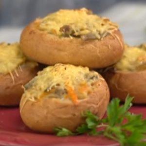 Жульен из грибов в булочках рецепт с фото