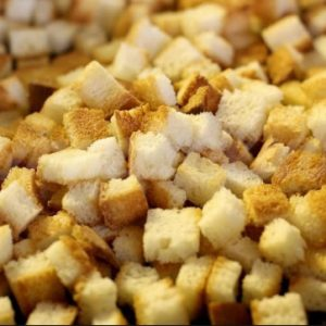 Сухарики из белого хлеба