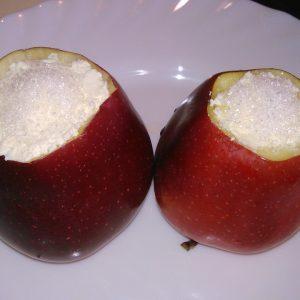 Как запечь яблоки в микроволновке с сахаром и творогом