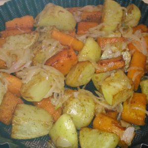 Картошка с тыквой и луком в форме