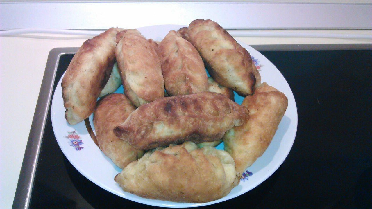 Жареные пирожки с картошкой на кефире рецепт с чабрецом