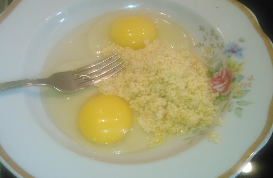 Яйца с пшеном для омлета