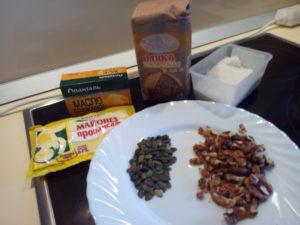Ингридиенты для кукурузного печенья с орехами