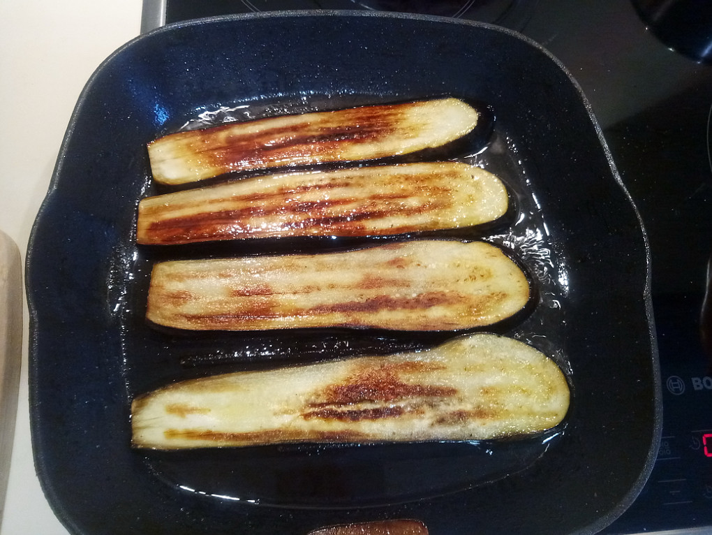 Как жарить баклажаны на сковороде вкусно