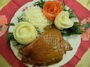 Бедро индейки в духовке сочная и мягкая с рисом