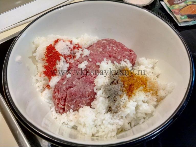 Фарш с рисом для тефтелей в томате