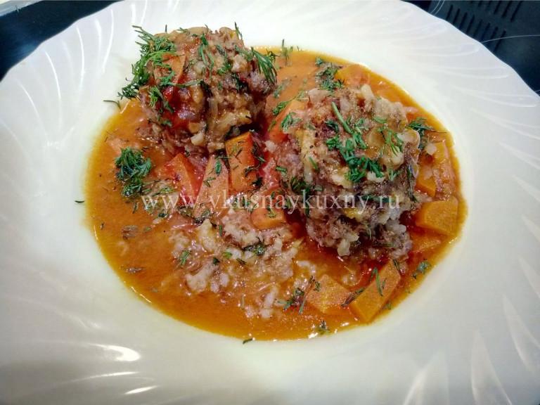Мясные тефтели в томатном соусе с укропом