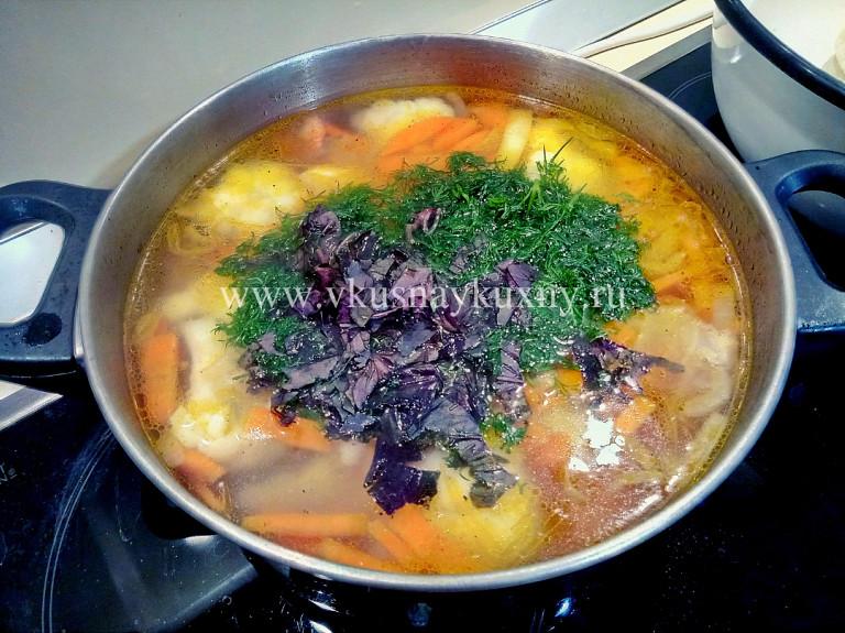 Овощной вкусный суп с капустой цветной