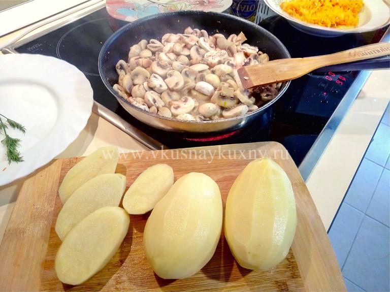 Тушим шампиньоны на сковороде до готовности