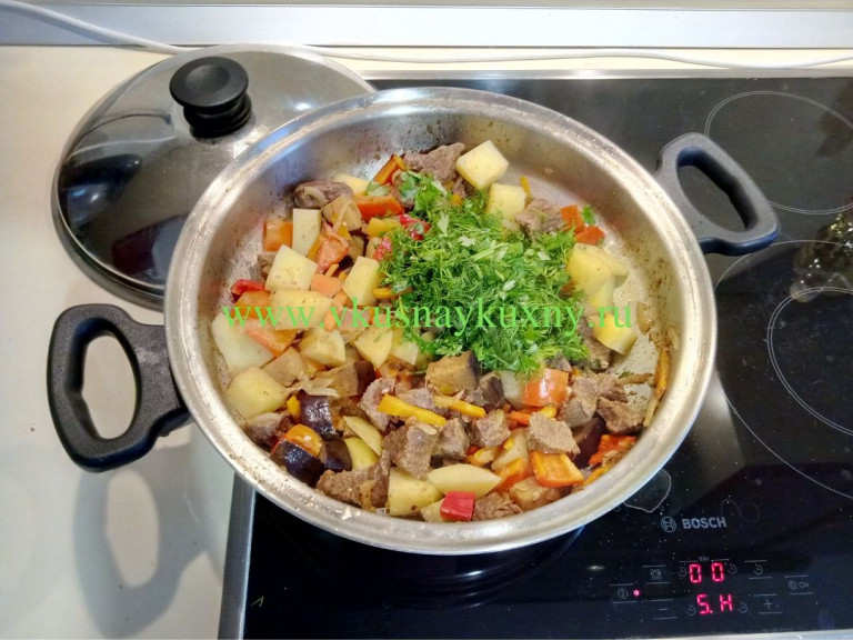 Как приготовить рагу с мясом и картошкой по домашнему на сковороде