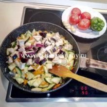 Соте из овощей с баклажанами и кабачками