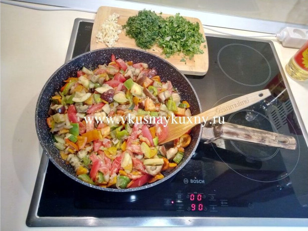 Соте из баклажан классический рецепт с чесноком и зеленью