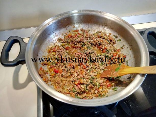 Готовим фарш для карныярык на сковороде ВОК Амвей