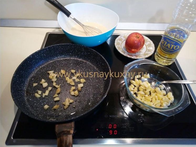Блины с припеком яблоки жарим на сковороде