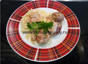 Куриные тефтели в сметанном соусе