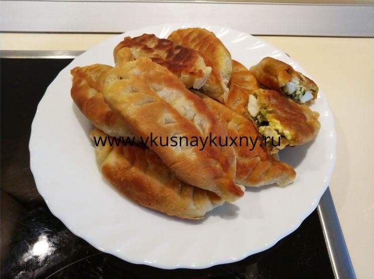 Пирожки с луком и яйцом за 10 минут жареные на сковороде