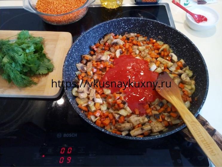 Красная чечевица с овощами рецепт на сковороде