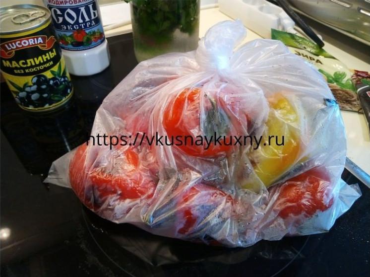 Горячие болгарские перцы в целофановом пакете для закуски