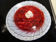 Вкусный красный борщ