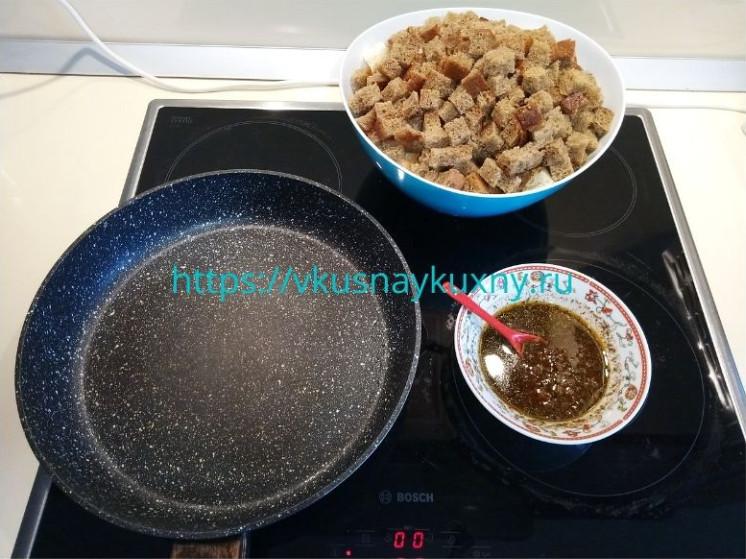 Как приготовить сухарики с чесноком на сковороде вкусно