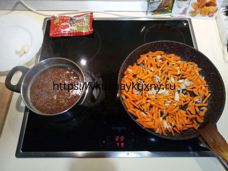 Как вкусно сварить гречку на гарнир с луком и морковкой