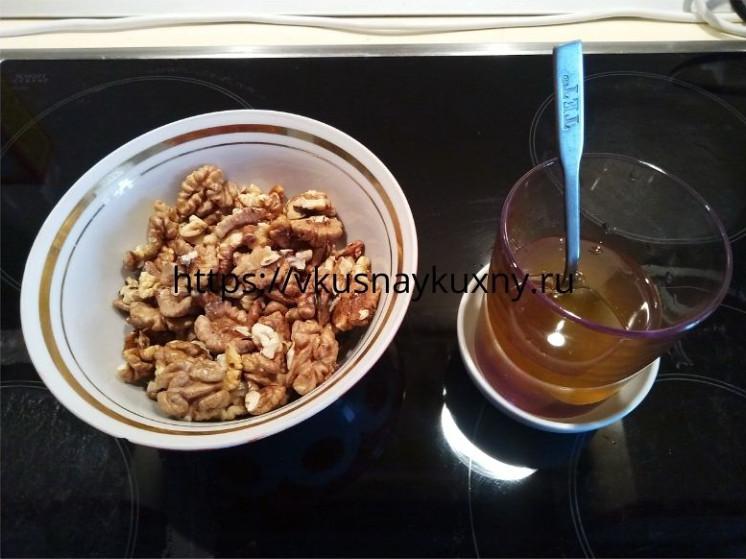 Как сделать халву из орехов с медом