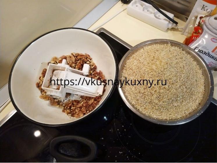 Перемолотые грецкие орехи для сациви в крошку
