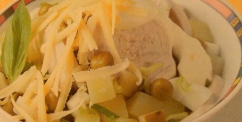 Салат с куриным филе